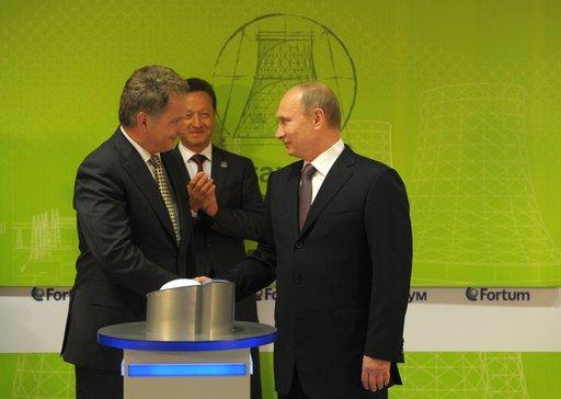 الرئيسان الروسي والفنلندي يدشنان محطة كهربائية في سيبيريا