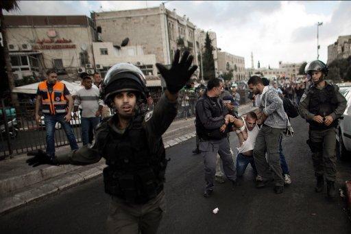 اصابة 5 فلسطينيين خلال مواجهات مع الشرطة الاسرائيلية في القدس