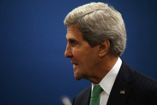 كيري يوقع معاهدة تجارة الأسلحة باسم الولايات المتحدة