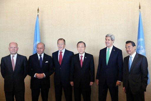 مصدر في الوفد الروسي ينفي الأنباء عن اتفاق الأعضاء الدائمين في مجلس الأمن على مشروع القرار حول الكيميائي السوري
