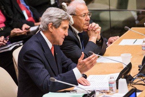 كيري: سورية ستنهار قبل تحقيق حسم عسكري
