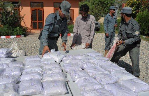 فيكتور إيفانوف: 100 ألف شخص يعملون في آسيا الوسطى في تهريب المخدرات
