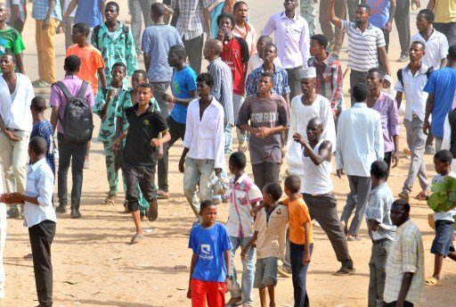 وزير الداخلية السوداني: أمن المواطن خط أحمر ولا تهاون مع من يزعزع الاستقرار