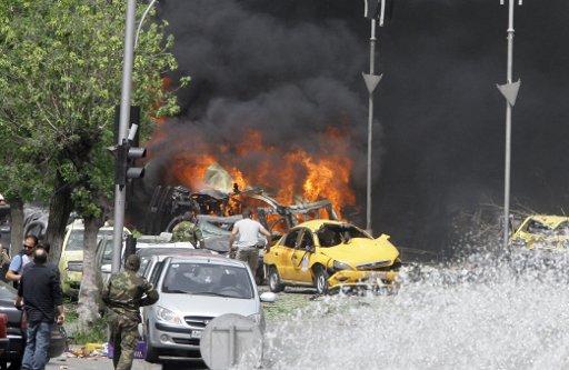 مقتل العشرات في انفجار سيارة مفخخة بمنطقة رنكوس في ريف دمشق
