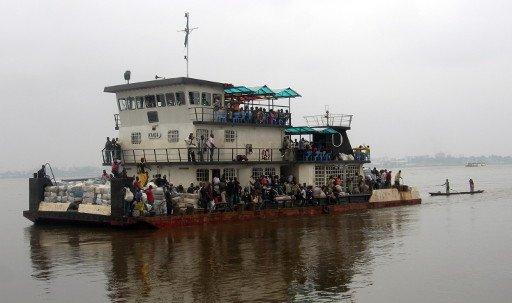 اكثر من 40 قتيلا و100 مفقود في غرق عبارة بنيجيريا
