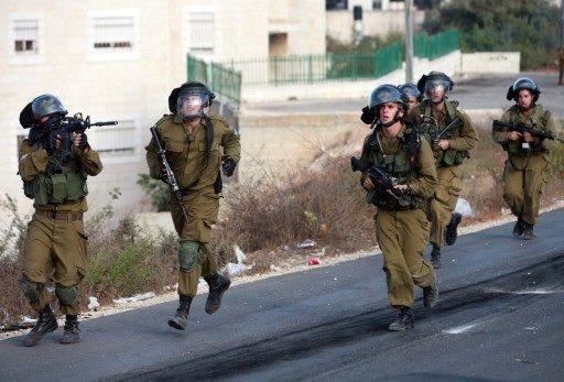 اتهام جنديين إسرائيليين بضرب فلسطيني مكبل ومعصوب العينين