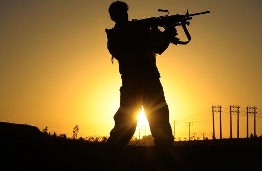 مقتل 9 بينهم ضابطان في هجوم مسلح على نقطة تفتيش غرب أفغانستان