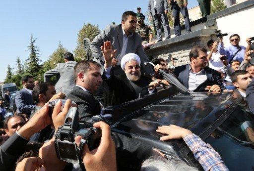 روحاني يطلب بحث إمكانية تسيير رحلات جوية مباشرة بين إيران والولايات المتحدة