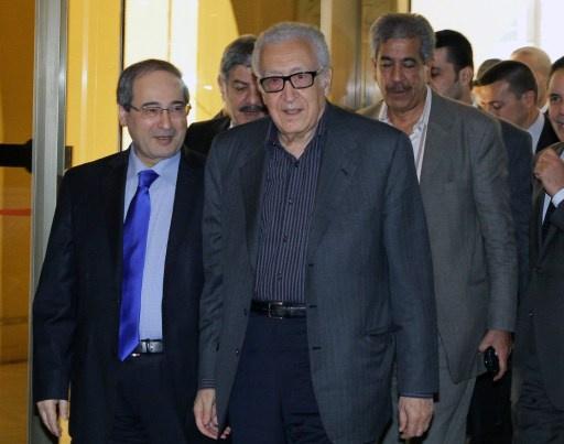 الإبراهيمي يلتقي ممثلي الحكومة والمعارضة في سورية