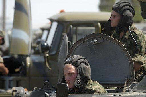 برلمان طاجيكستان يصادق بالإجماع على الاتفاقية بشأن وجود القاعدة العسكرية الروسية حتى 2042