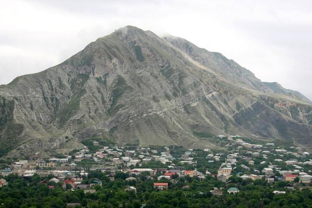 مقتل 3 أشخاص بينهم شرطيان ومدني في اشتباك في داغستان