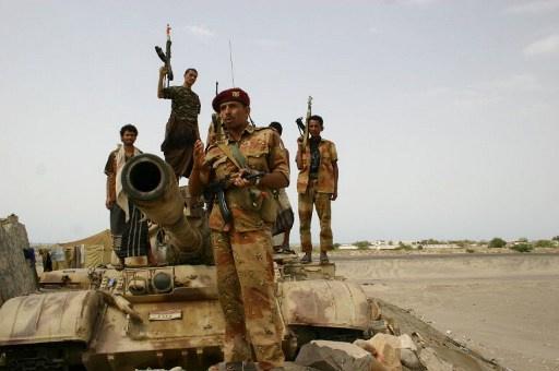 الجيش اليمنى يستعيد مقر قيادة المنطقة العسكرية بمدينة المكلا