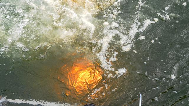 أنتشال أكبر قطعة لنيزك تشيليابينسك من بحيرة تشيباركول