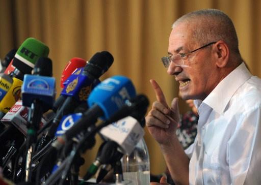 جبهة الانقاذ تتمسك باستقالة الحكومة التونسية وتدعو إلى التوقيع قبل بدء الحوار