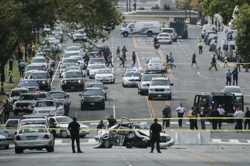 مقتل امرأة مشتبه بها على يد الشرطة بعد مطاردتها قرب الكونغرس الأمريكي