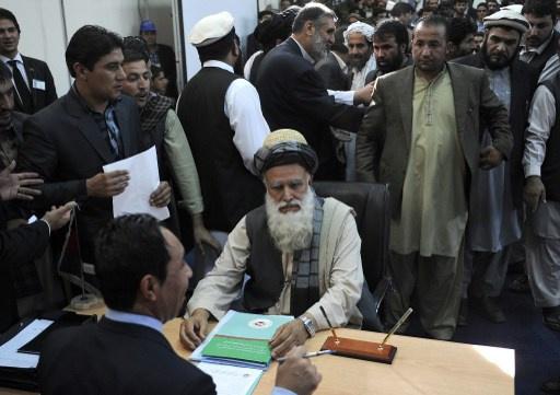 المتشدد عبد الرسول سياف يعلن ترشحه لانتخابات الرئاسة الأفغانية