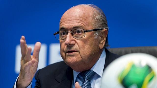 بلاتر: قررنا تأجيل المشاورات حول تحديد موعد مونديال قطر 2022