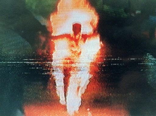 أمريكي يحاول إحراق نفسه في وسط واشنطن