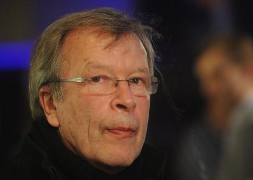 كاتب روسي يمنح أهم وسام فرنسي
