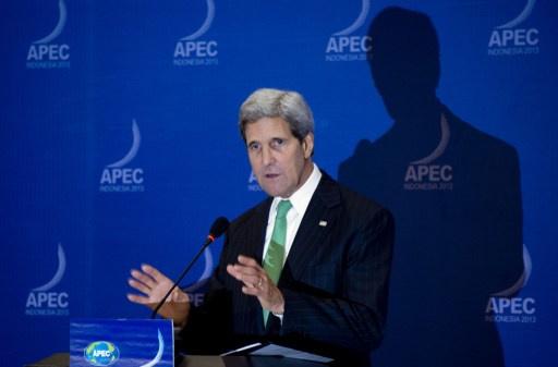 كيري يؤكد على وفاء واشنطن بالتزاماتها تجاه شركائها في آسيا رغم أزمة الموازنة