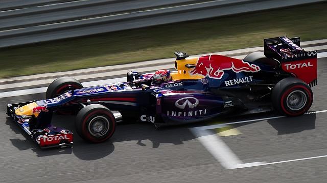 فيتل أول المنطلقين في سباق جائزة كوريا الجنوبية للفورمولا وان