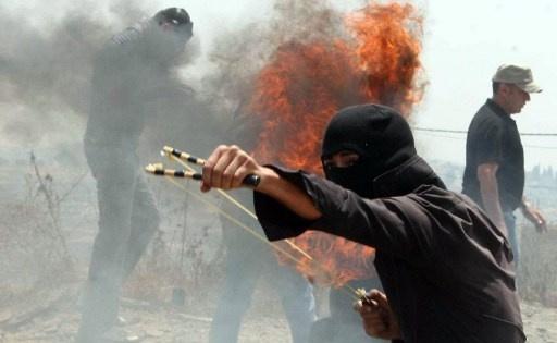 مواجهات بين فلسطينيين ومستوطنين اقتحموا قريتين جنوب نابلس