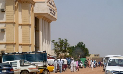 تبرئة 19 متظاهرا في السودان