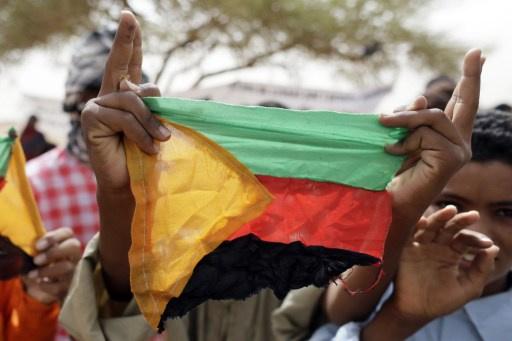 طوارق مالي يعودون إلى العملية السياسية بعد اتهام الحكومة بخرق اتفاق الهدنة