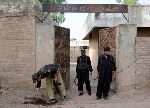 باكستان.. مقتل 6 اشخاص في انفجار استهدف فريقا طبيا لمكافحة شلل الأطفال