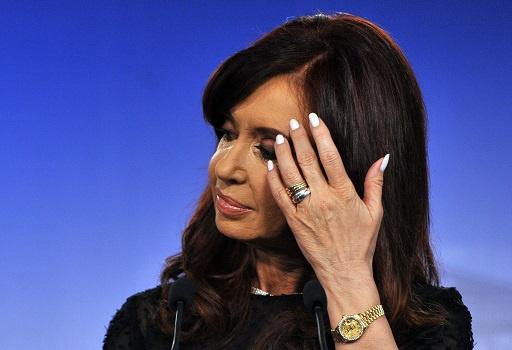 الرئيسة الارجنتينية تخضع لعملية جراحية ناجحة لاستئصال ورم دموي في رأسها