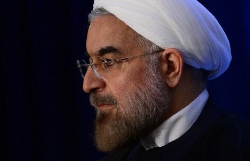 روحاني يدعو الشرطة إلى التساهل في قضية ارتداء الحجاب عند النساء