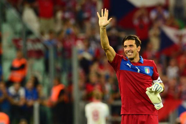 بوفون ينفي شائعات رحيله الى ريال مدريد