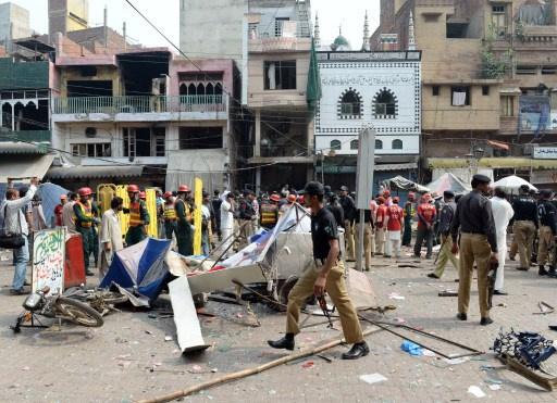 مقتل 5 أشخاص واصابة 50 آخرين في انفجار عبوة ناسفة بلاهور الباكستانية
