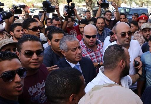 بعد تحريره من الاختطاف.. رئيس الوزراء الليبي يدعو الشعب الى الحكمة