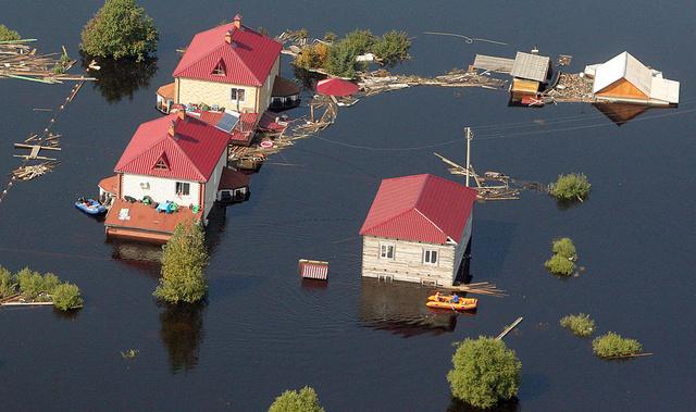 تخصيص 1.2 مليار دولار للمناطق المتضررة من الفيضانات في روسيا