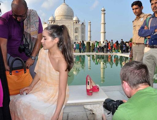 رجال الشرطة الهنود يرفعون دعوى ضد ملكة جمال الدنيا