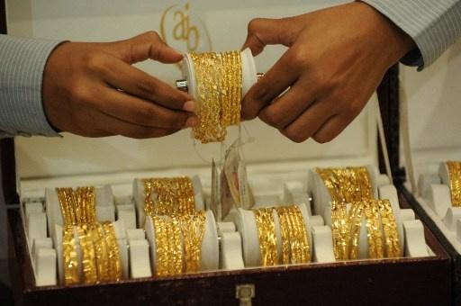 تضاؤل الاقبال على شراء الذهب في مكة المكرمة بسبب الصعوبات الاقتصادية