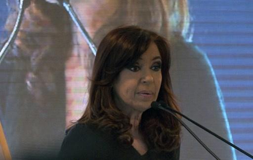 رئيسة الأرجنتين تخرج من المستشفى بعد عملية جراحية وستلزم الفراش 30 يوما