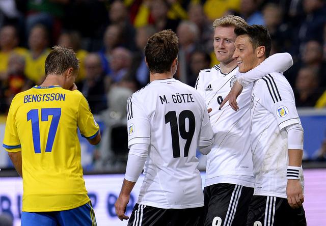 الماكينات الألمانية تحتفل بتأهلها إلى البرازيل بخماسية في شباك السويد