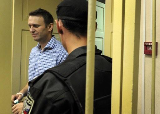 محكمة روسية تقضي بتخفيف العقوبة على المعارض الروسي نافالني في قضية جنائية مثيرة للجدل