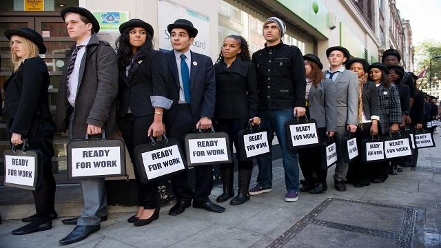 معدلات البطالة في بريطانيا بقيت ثابتة عند 7.7% في الصيف