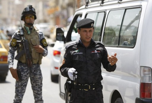 هجمات تستهدف قوات الشرطة العراقية واعتقال انتحاري يرتدي حزاما ناسفا في الأنبار