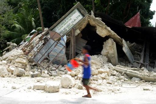 ارتفاع حصيلة ضحايا زلزال الفلبين إلى 144 قتيلا