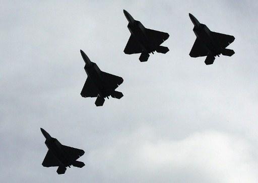 مصادر إسرائيلية تتحدث عن تحليق طائرات حربية مصرية بالقرب من حدود غزة والجيش المصري ينفي