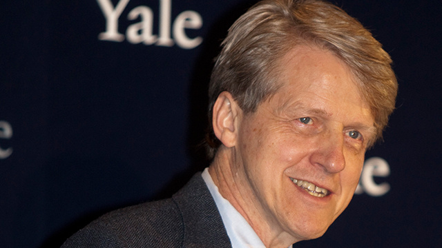 الحائز على نوبل للاقتصاد: ما يحدث في الكونغرس هو عرض مسرحي