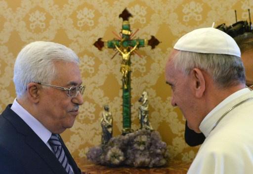 عباس يدعو البابا إلى زيارة الأراضي المقدسة في فلسطين