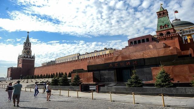 روسيا تستقبل أكثر من مليون سائح في النصف الأول من عام 2013