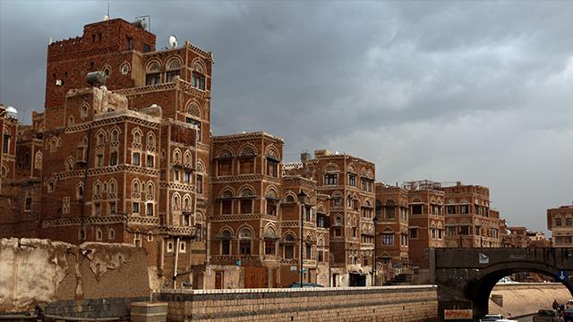 الحكومة اليمنية: 5 مليارات دولار كلفة إعادة الأعمار والتنمية