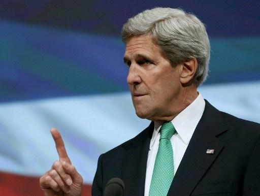 كيري يقترح نقل الأسلحة الكيميائية إلى خارج سورية لإتلافها