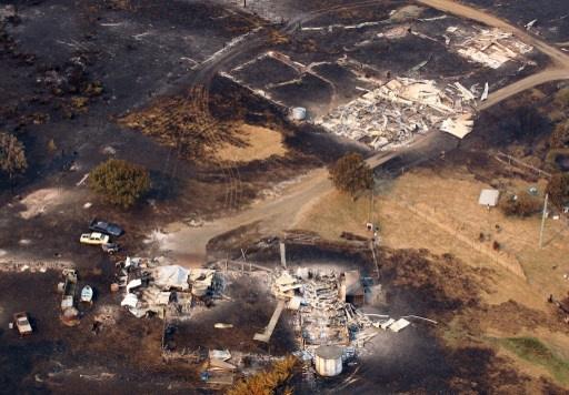 حرائق الغابات تقتل شخصا وتدمر 100 منزل في أستراليا